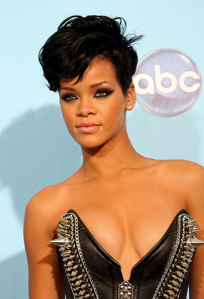 2013 African American Short Hairstyles from Rihana