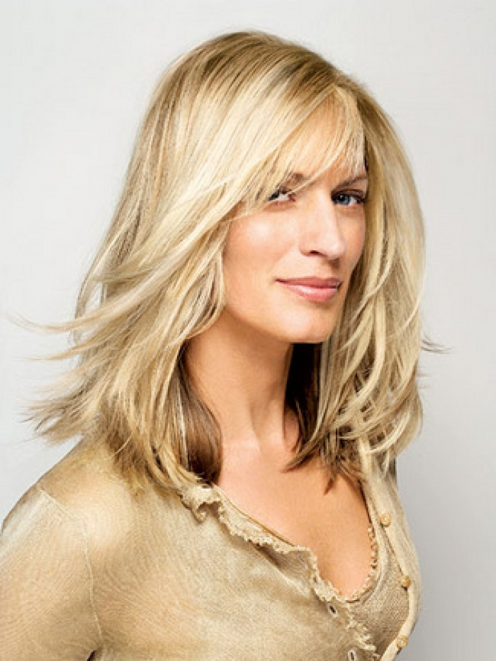 Short Hairstyles and Color Ideas for Women Over 40