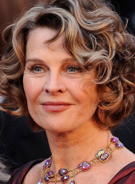Beautiful Short Curly Hairstyles for Women Over 50