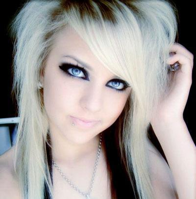 Beautiful Short Emo Hairstyles for Girls