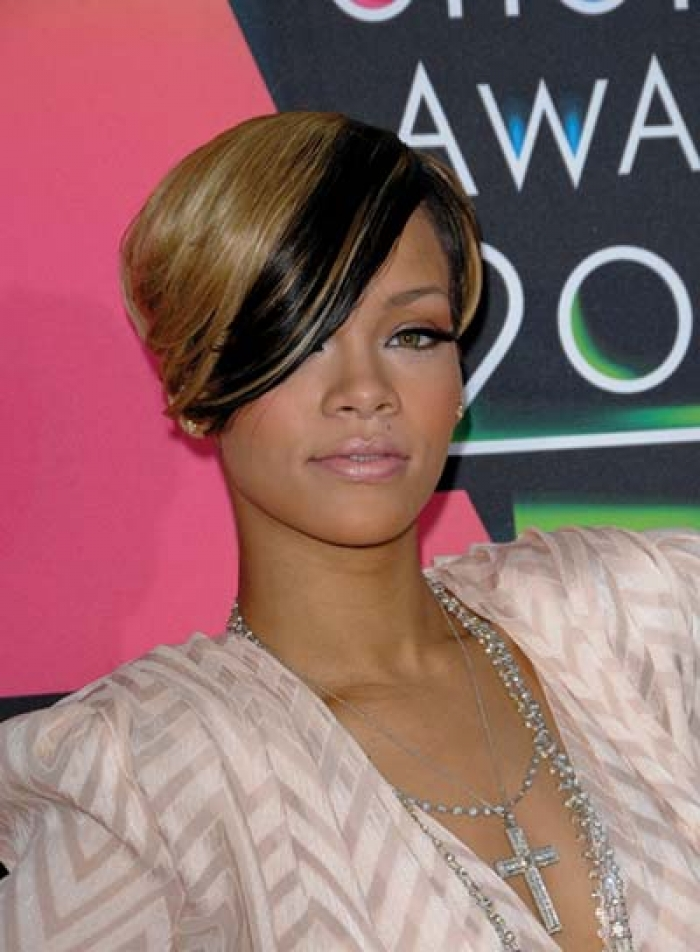 Short Edgy Hairstyles from Rihanna