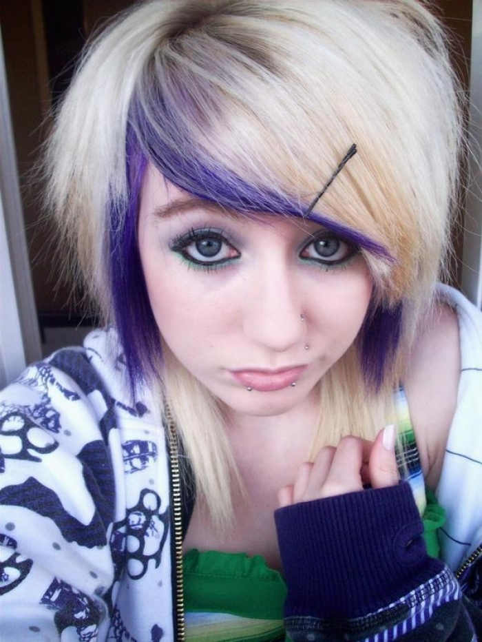 Short Emo Hairstyles for Girls with Thick Hair