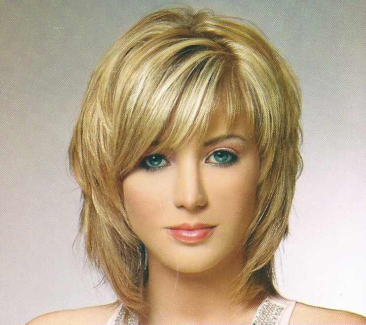Short Layered Shaggy Hairstyles for Beautiful Women