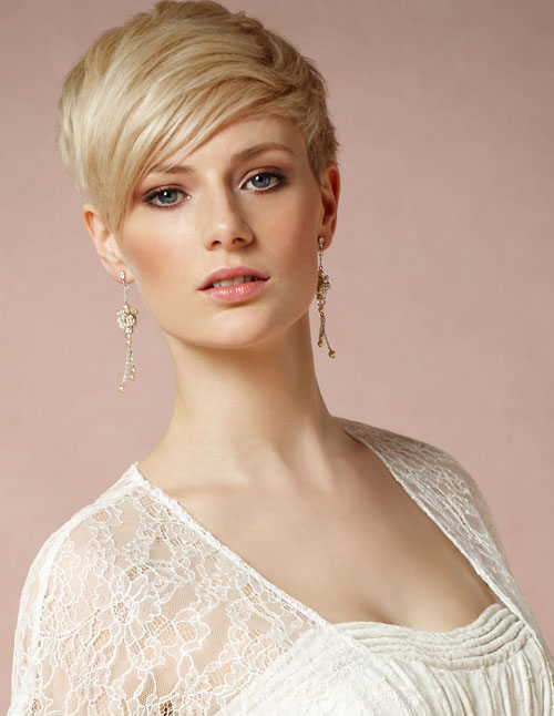 Short Pixie Hairstyles for Beautiful Women
