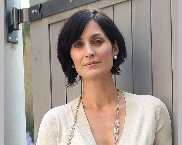 Straight Black Short Hairstyles for Women Over 40