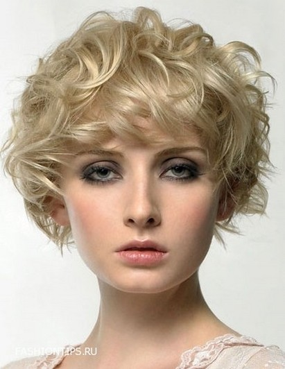Very Short Curly Hairstyles for Beautiful Girls