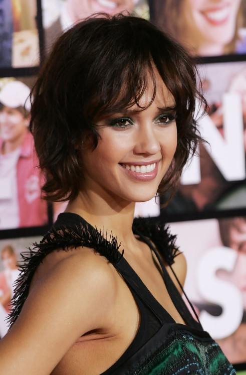 Cute Short Layered Haircuts for Wavy Hair