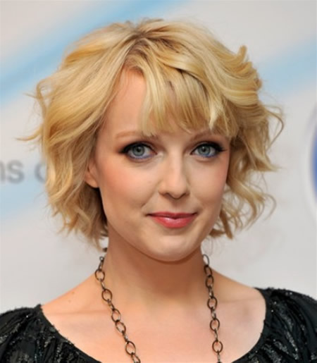 Short Hairstyles With Bangs for Wavy Hair