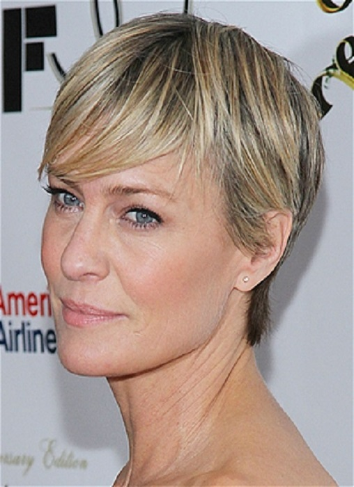 Short Hairstyles for Older Women with Fine Straight Hair