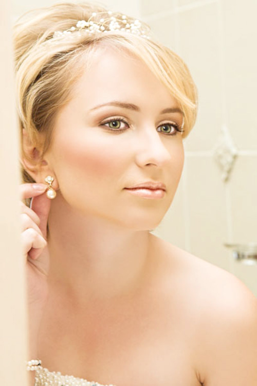 Short Wedding Hairstyles for Beautiful Women