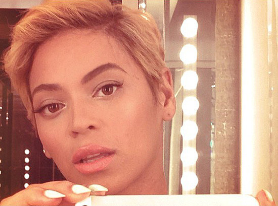 Beyonce Knowles with Short Blonde Hairstyles