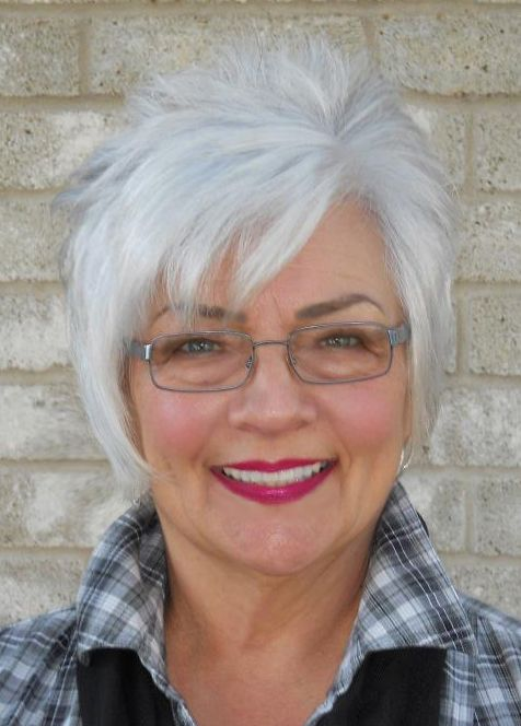 Cute short hairstyle for women over 60 9