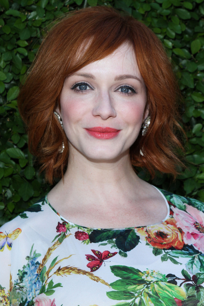 Christina Hendricks Short Layered Razor Hairstyles