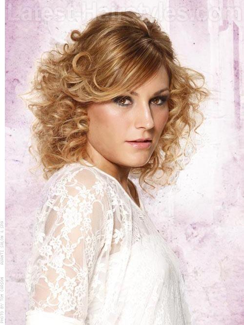 Best Medium Curly Hairstyles 2015 Medium-Curly-Layered-Hairstyles-2013