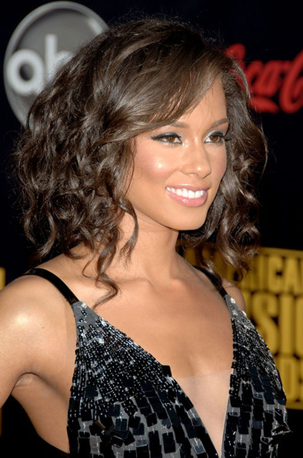 Best Medium Curly Hairstyles 2015 The-Shoulder-Length-Curly-Hairstyles-2013