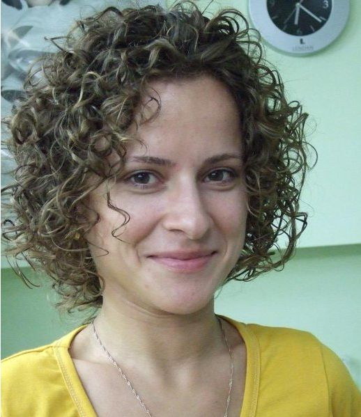 Spiral perm hairstyles for women 4