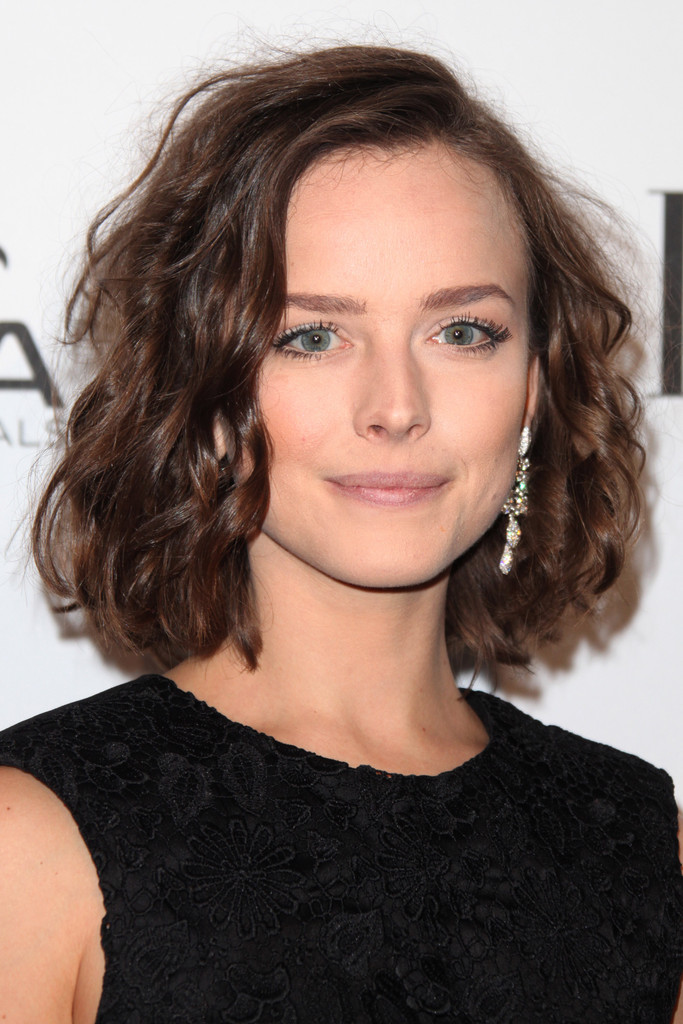 Allison Miller with Short Curly Bob Hairstyles