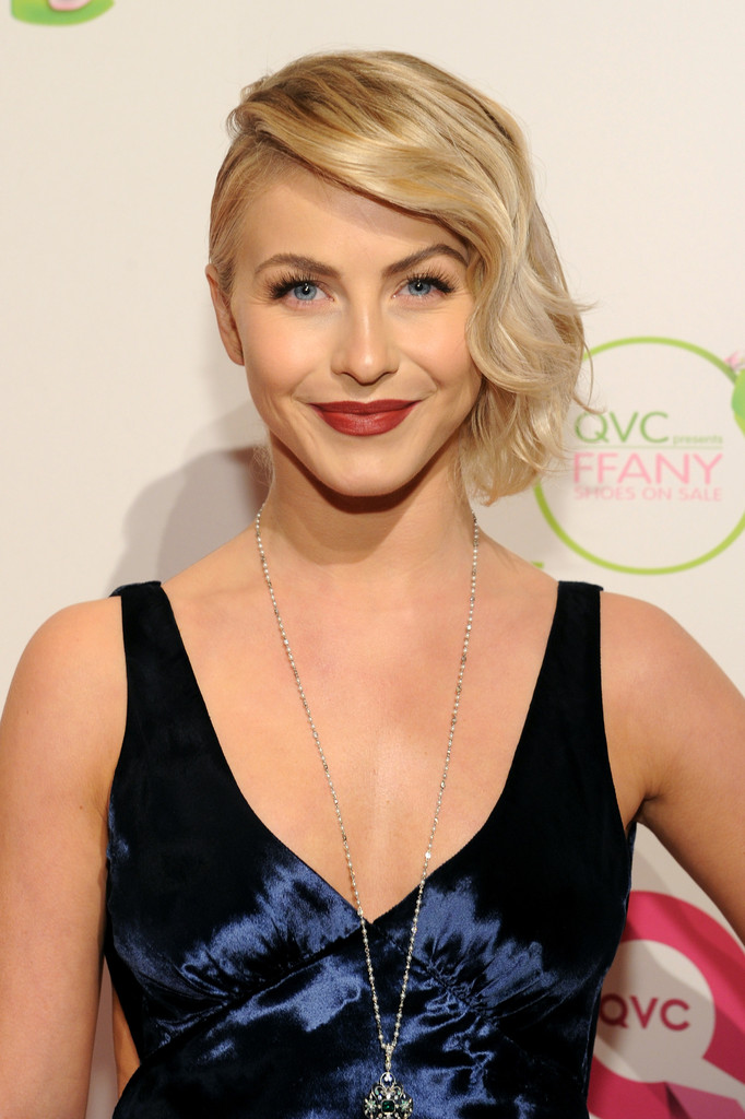 Finger Wave Short Hair fromJulianne Hough