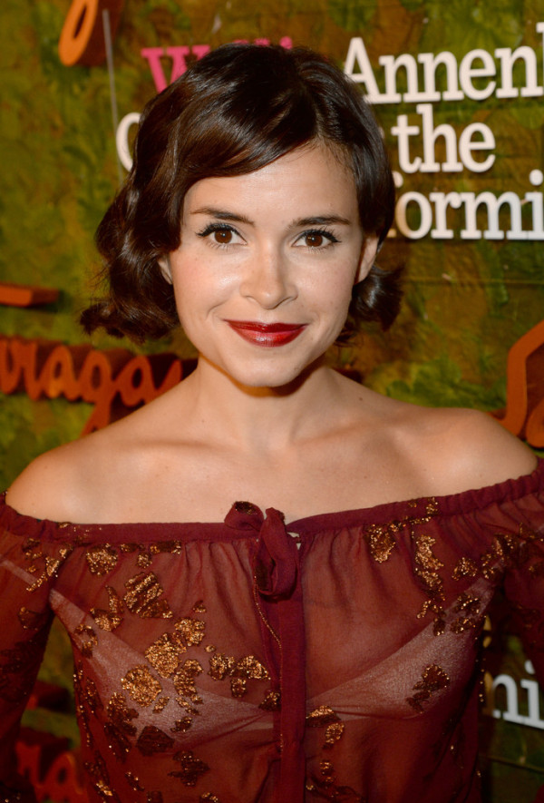 Finger Waves from Miroslava Duma