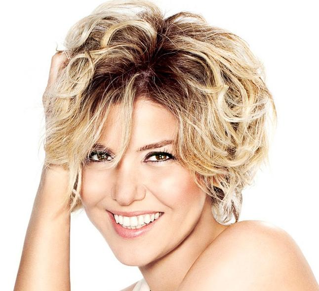 New Casual Hairstyles for Short Wavy Hair