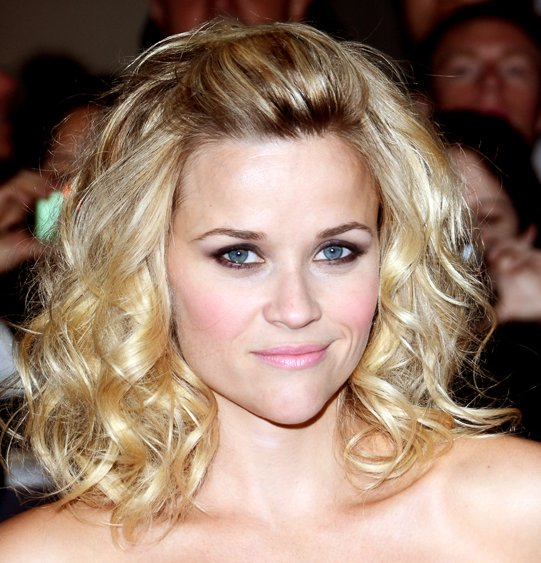 Reese Witherspoon Short Curly Bob Hairstyles