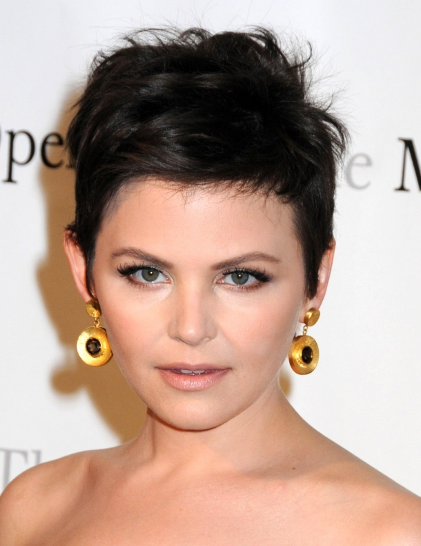 Short Haircuts for Round Faces and Fine Hair