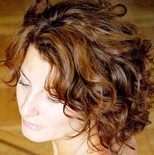 New Short Wavy Hairstyles for 2014 2014-Short-Wavy-Hairstyles-Brunette