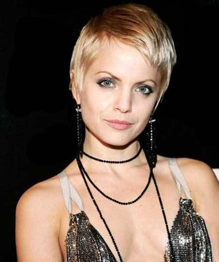 Elegant Short Hairstyles for Beautiful Women elegant-short-pixie-hairstyles