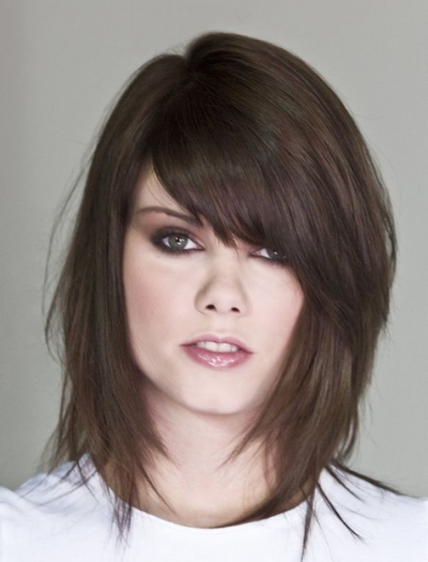 layered haircuts for short medium hair