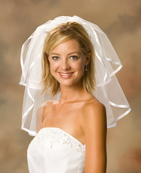 Best Wedding Hairstyles for Short Hair 2015 wedding-hairstyles-for-short-hair-with-veil