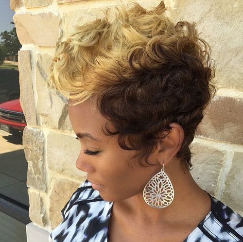 Curly Spike Hairstyle for African American Women 1