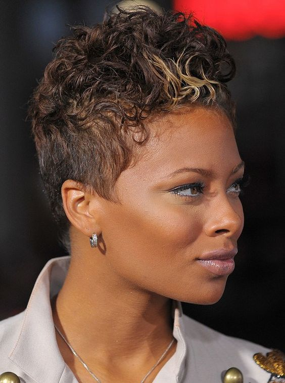 Curly Spike Hairstyle for African American Women 6