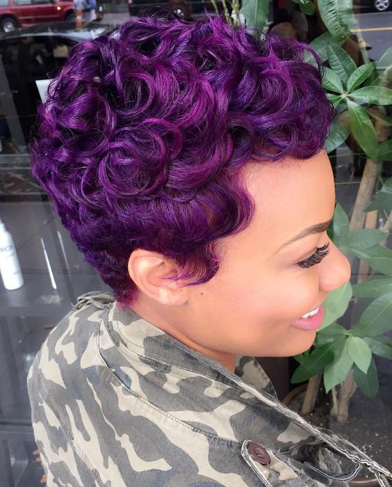 Curly Pixie Haircut Style for Black Women 5