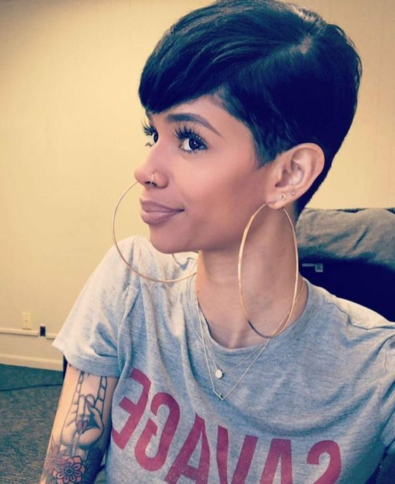 Short Straight Hairstyle for Black Women 6