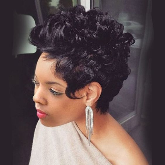 Curly Spike Hairstyle for African American Women 4