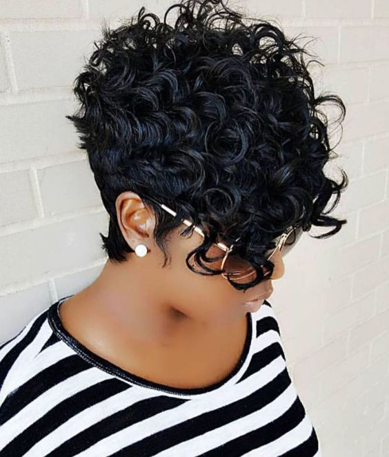 Curly Pixie Haircut Style for Black Women 8