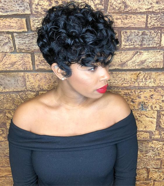 Big Soft Curls Hairstyle for African American Women 10