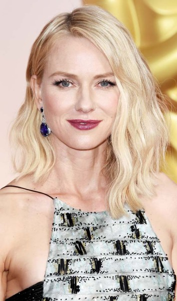 wavy_shoulder_length_hairstyle_short-haircutstyles_com