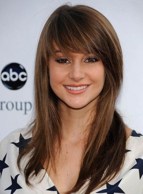 Hairstyles With Side Swept Bangs 2016
