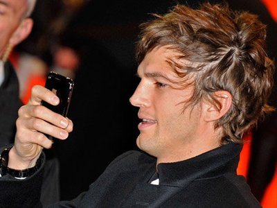 Ashton Kutcher Hairstyles ashton-kutcher-hair-color
