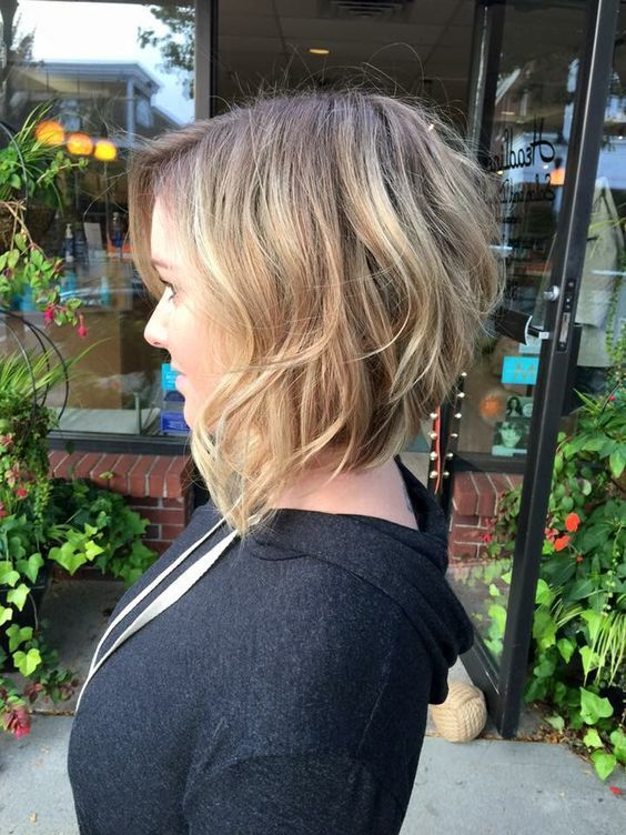 Top Shoulder-Length Hairstyles to Try in 2017 Angled_Bob_Hairstyles_inspiration_3