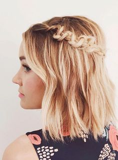 Should Try These Points: Prom Hairstyles for Short Hair Blonde_side_braided_style_1-1
