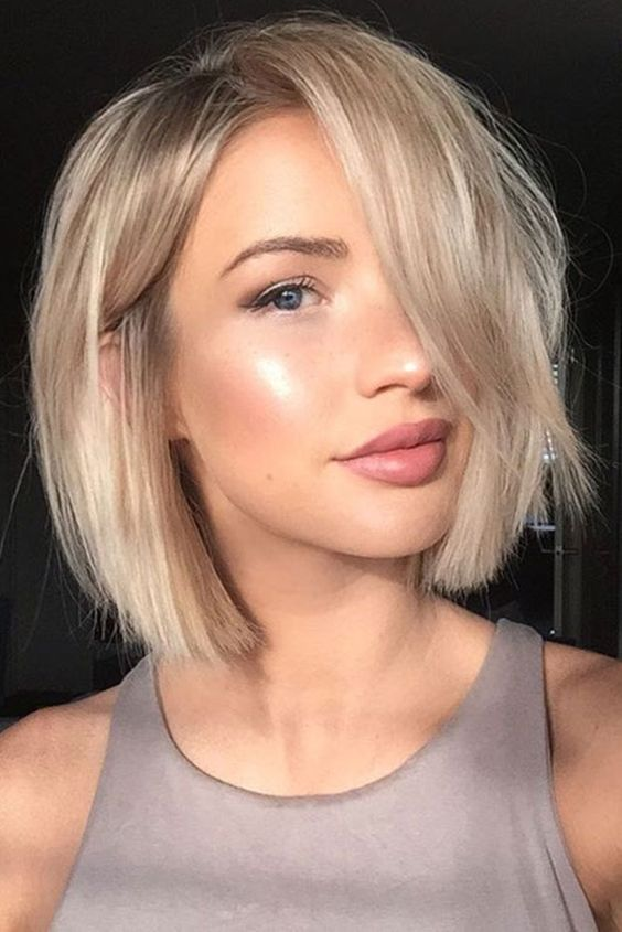 Short Haircuts For Thick Hair To Embellish Your Look Chic_short_hairstyle_thick_hair_1
