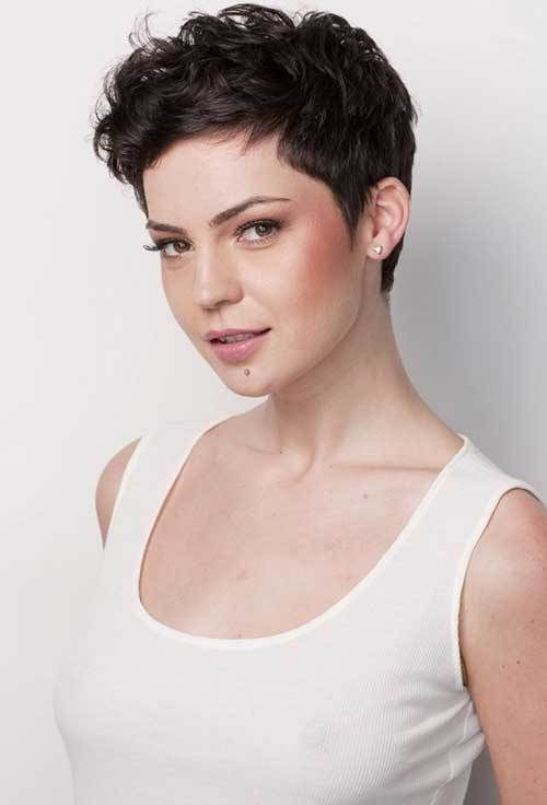 Short Haircuts for Curly Hair that You Should Check! Pixie_Cut_2