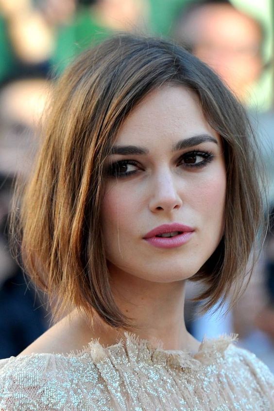Unique and Stunning Chin Length Bob Hairstyle Round_brushed_bob_5