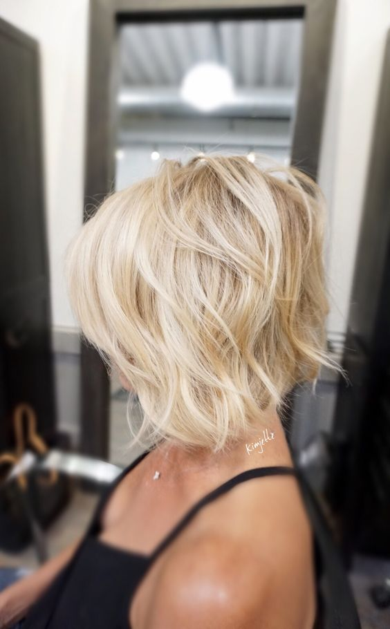 Cute Short Haircuts for Women that Last Forever! Short_Blonde_3