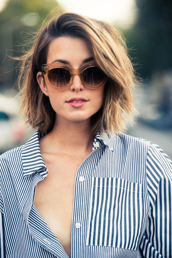 Short Haircuts for Curly Hair that You Should Check! lob_hairstyle_3-1