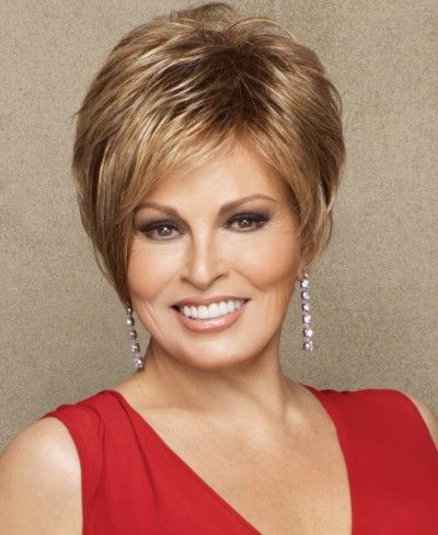 Classy Short Hairstyles for Older Women older_women_stacked_haircut_50yo_4
