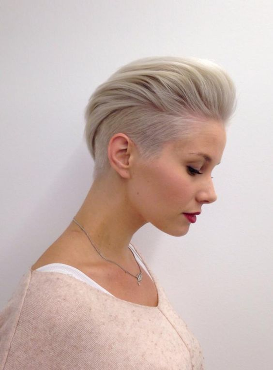 Short Haircuts for Fine Hair that You Should not Miss pulled_back_fine_hair_5