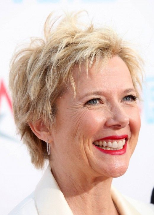 Classy Short Hairstyles for Older Women simple_short_cut_older_women_3
